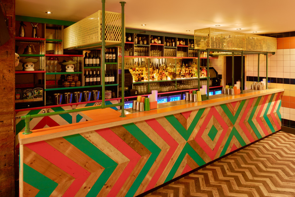barrio soho bar